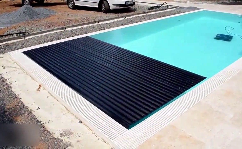 cover kolam renang