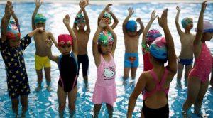 cara buat anak belajar renang