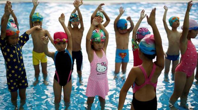 Cara Buat Anak Ketagihan Berenang
