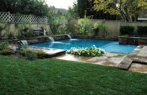 mini garden kolam renang