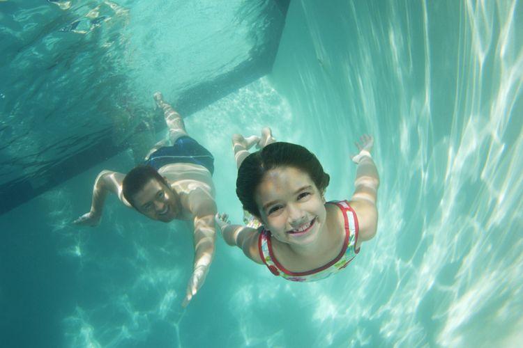 Pentingnya Berenang di Siang Hari di Kolam Renang Outdoor